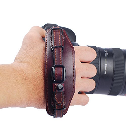 Padded professional quality genuine leather grip strap, cushioned camera grips fits around your hand and stabilizes your cameras while shooting.